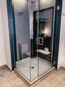 The Maven Hotel Denver - shower